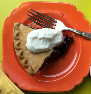 Blueberry Pie with Greek Vanilla Yogurt Toppings Bar