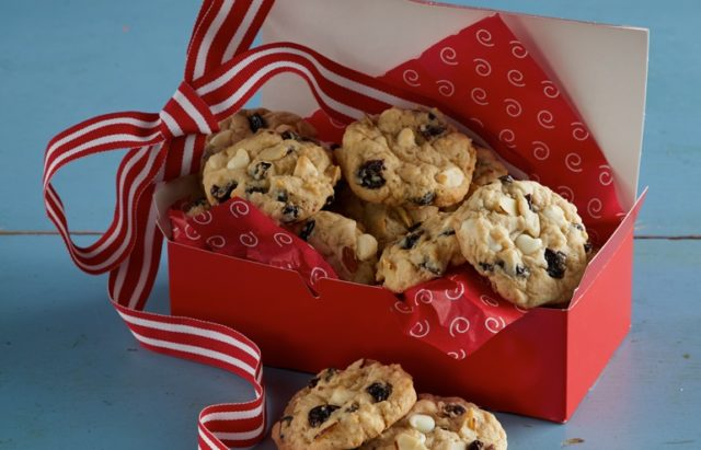 cherry and white chocolate chip cookies