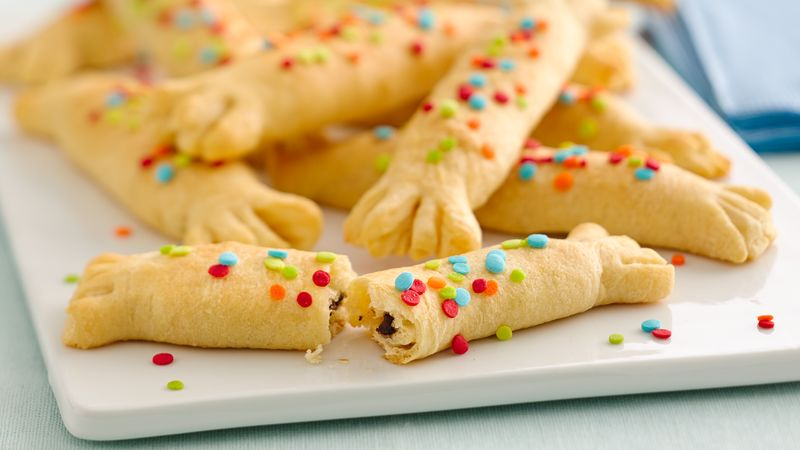 Easy Crescent Party Poppers