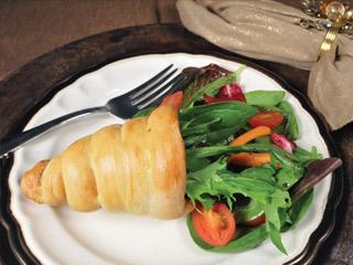 Individual Bread Cornucopias with Salad