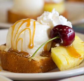 Grilled Pineapple Upside Down Cake Sundae