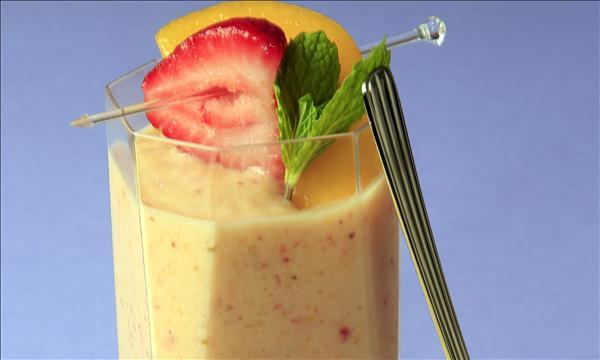 Creamy Mixed Fruit Smoothie - Dole Sunshine