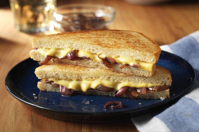KRAFT Deli Deluxe Smoky French Onion Grilled Cheese