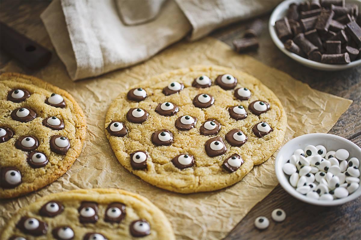 Good Karma Foods Monster Cookies