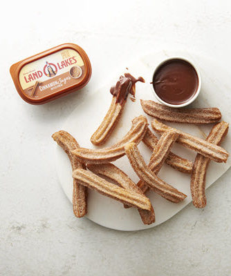 2019_Churros with Chocolate Dipping Sauce