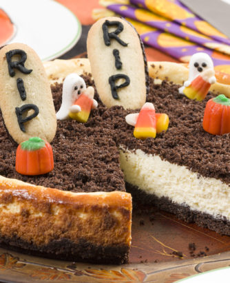 MFTK Ghostly Halloween Cheesecake