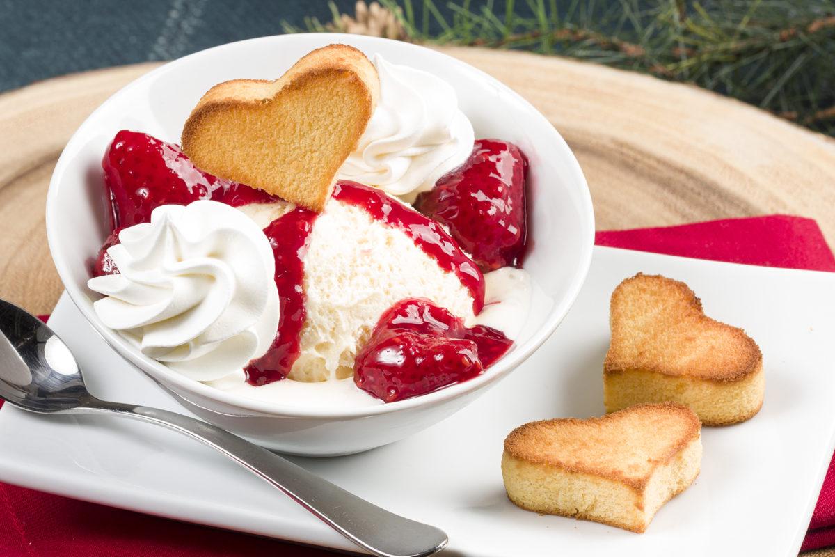 MFTK Hearty Berry Sundae Bowls