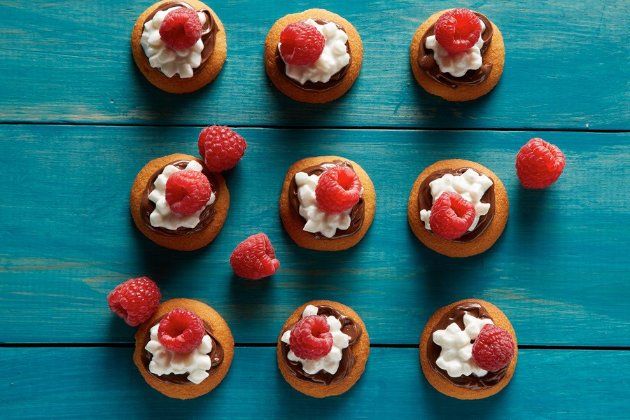 Daisy Raspberry Hazelnut Snack Bites